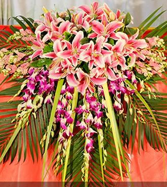 会议用花:讲台花3
