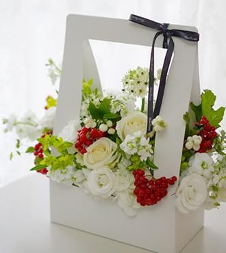 鲜花:爱情花火 白玫瑰混搭