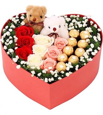 鲜花:甜蜜精彩 玫瑰+巧克力