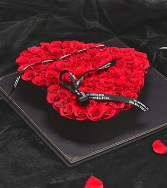 鲜花:献上我的真心 99枝玫瑰