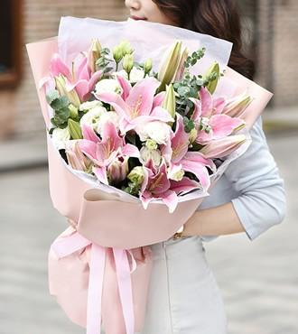 鲜花:百年好合 8枝香水百合