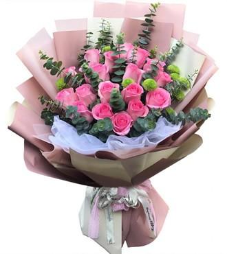 鲜花:你的温柔 18枝苏醒粉玫瑰