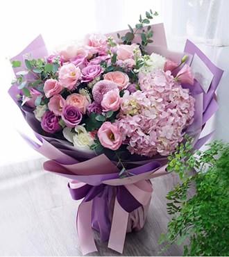 鲜花:优雅绽放 26枝混搭花束