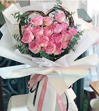 鲜花:依靠 18枝粉玫瑰