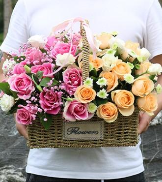 花篮:爱的思念 24枝红玫瑰康乃馨