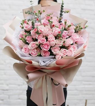 鲜花:粉色浪漫 52枝粉玫瑰