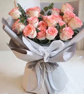 鲜花:蜜恋 18枝粉玫瑰