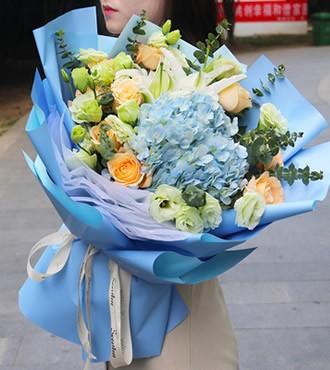 鲜花:相依相伴 9枝玫瑰混搭