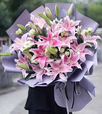 鲜花:期待你的爱 11枝粉百合