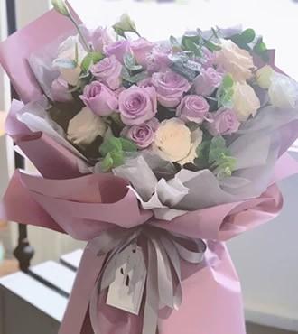 鲜花:紫色迷情 18枝紫玫瑰