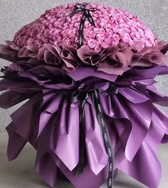 鲜花:只爱你一人 999枝紫玫瑰