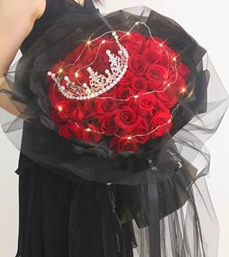 鲜花:百分百想念 33枝红玫瑰