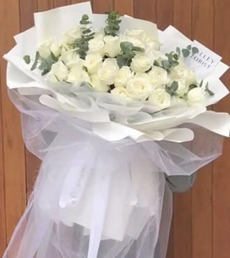 鲜花:梦中情人 29枝白玫瑰