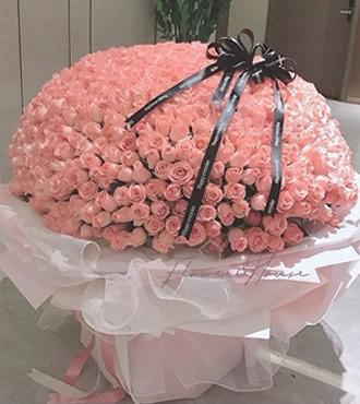 鲜花:爱如潮水 999枝粉玫瑰