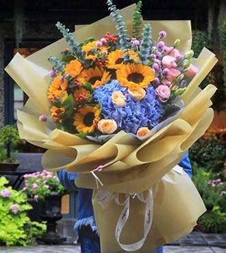 鲜花:夏日花园