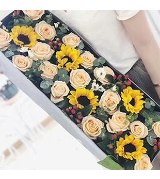 鲜花:心相随 22枝玫瑰