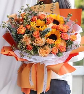 鲜花:幸福女主角 玫瑰混搭