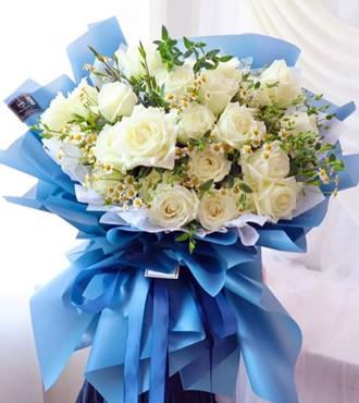 鲜花:最初的梦想 18支白玫
