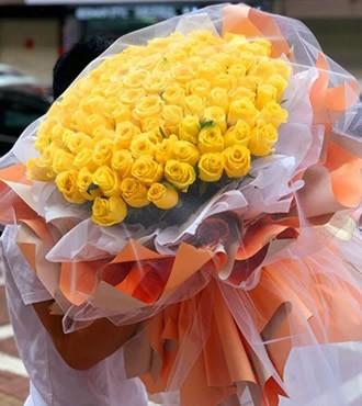 鲜花:爱你永无止境 99枝黄玫