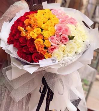 鲜花:爱在繁花盛开时 99枝渐变