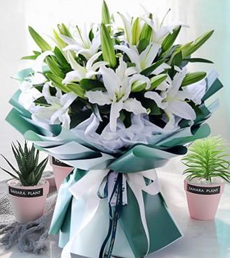 鲜花:赏心悦目  33朵百合
