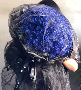 鲜花:真心真意 199枝蓝色妖姬
