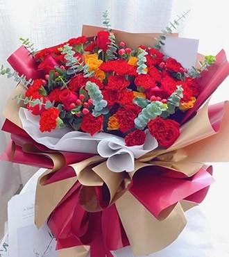 鲜花:只因有您 36枝红康乃馨