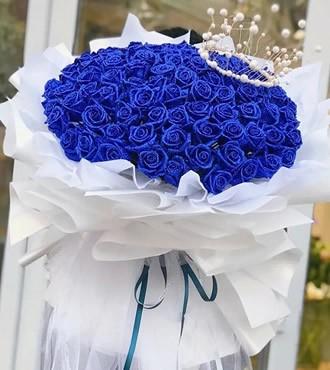 鲜花:相约到永久 99枝蓝玫瑰