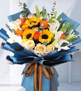 鲜花:为爱守护 玫瑰向日葵