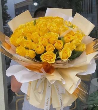 鲜花:幸好有你 33枝黄玫瑰