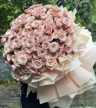 鲜花:爱的呼唤 199枝玫瑰