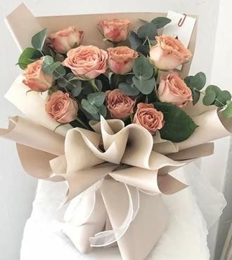 鲜花:永恒的美 10枝玫瑰