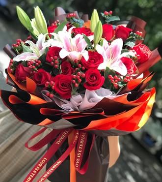 鲜花:幸福港湾 18枝红玫瑰
